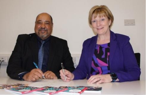 Professor Terri Scott, Principal/CEO NRC and Mr Leon Beech, Principal/CEO NLC sign a Memorandum of Agreement.